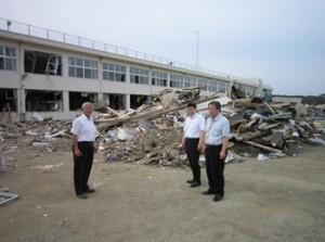 穴井市議とともに宮城県仙台市内・折戸地区、名取市閖上港、東松島市訪問し菊池さんに被災地を案内して頂きました