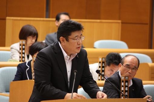 円高対策について質問する議員