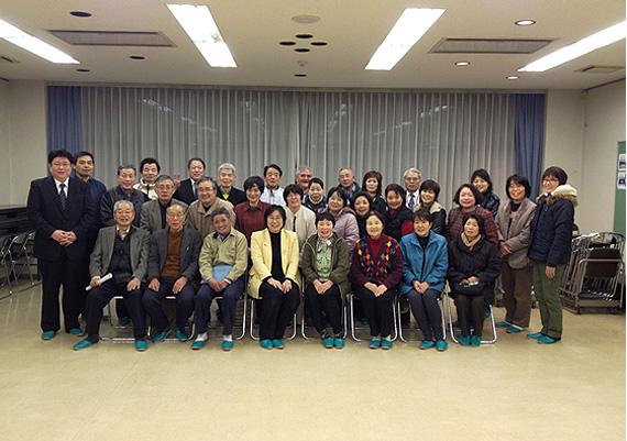 穴井市議会議員の支部会に参加者された皆様と私(戸高賢史)は記念撮影をしました。
